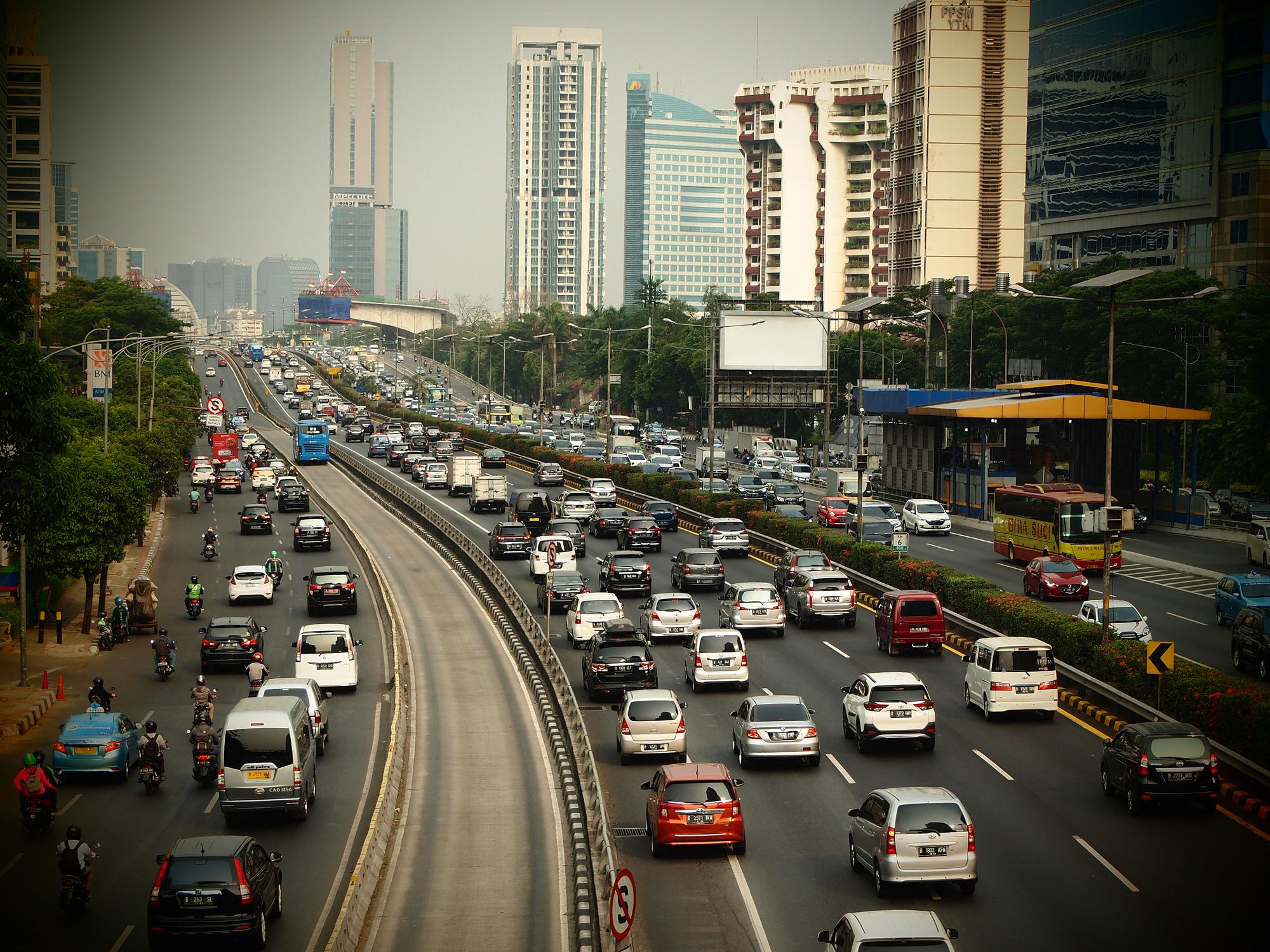 Perlukah Tambah Mobil Dengan Plat Ganjil dan Genap?