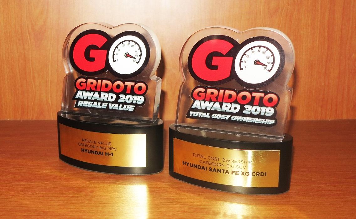 Hyundai Santa Fe dan H-1 Jadi Juara di GridOto Award 2019