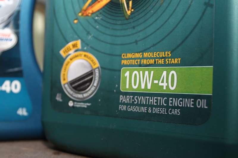 Bolehkan Oli Mesin Diesel Digunakan pada Mobil Bensin