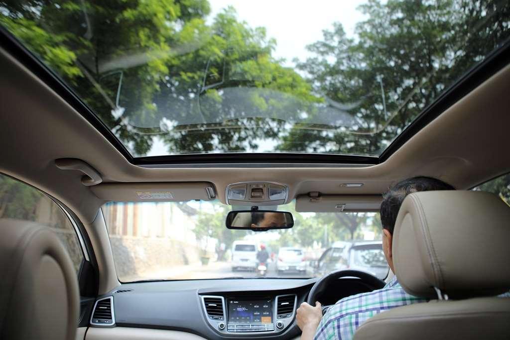 Perlu Diketahui, Ini Fungsi Panoramic Sunroof Pada Mobil Kesayangan