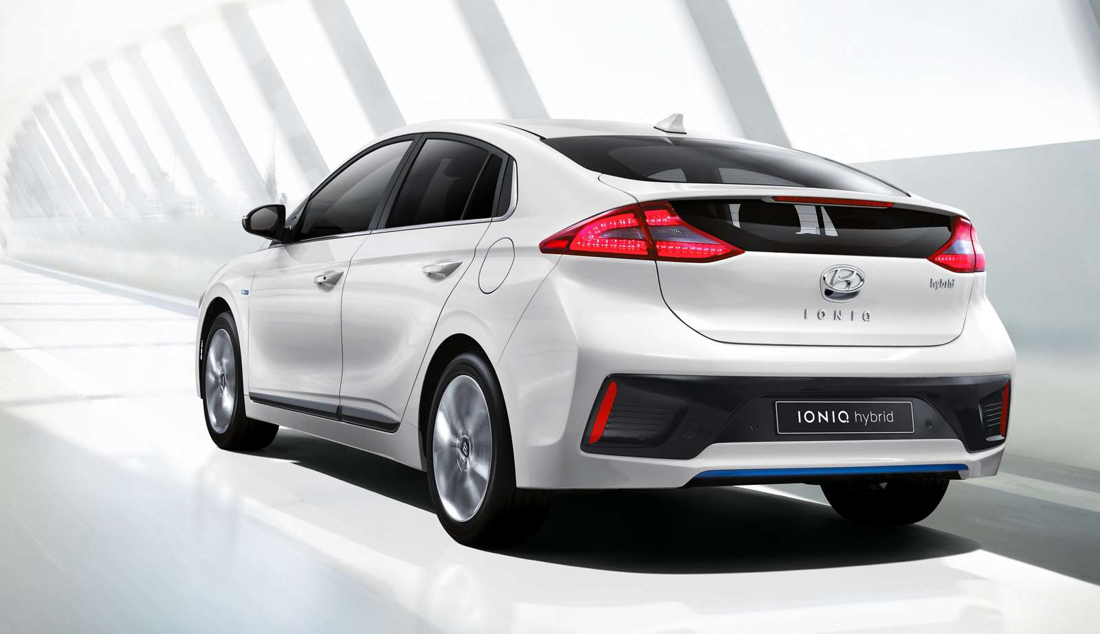 Hyundai IONIQ Berdesain Dinamis dan Sporty