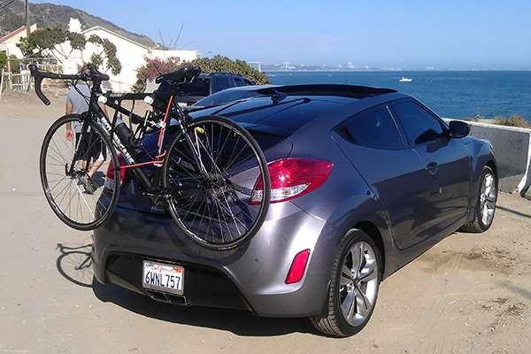 Gendong Sepeda Sah-sah Saja, Pilih Atas atau Belakang