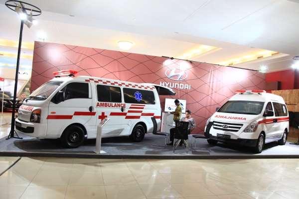 Hyundai Pajang Starex Mover dan H-100 Versi Ambulans Di IIMS 2017