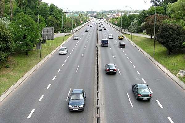 Polda Metrojaya Sudah Menghimbau, ini Jarak Minimal dan Aman Saat Berkendara