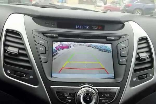 Manfaat Pasang Rear Camera di Bumper