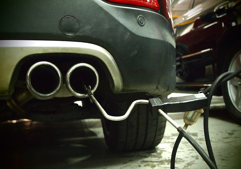 Uji Emisi Rutin untuk Kurangi Polusi Udara