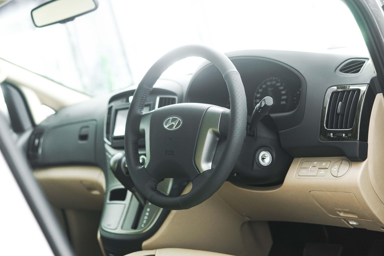 Sudut Dan Posisi Dashboard Hyundai H-1 Memudahkan Fokus Pengemudi